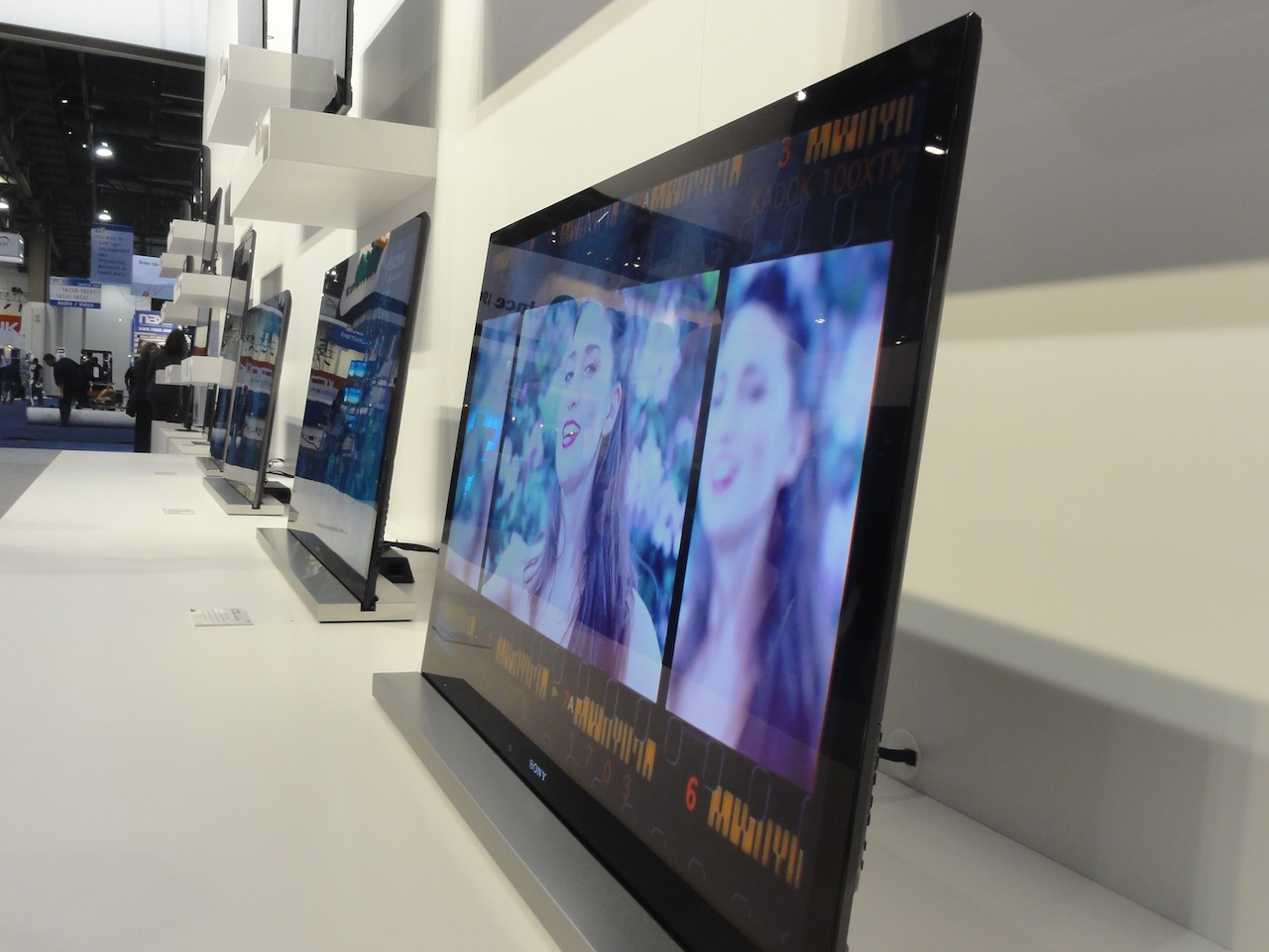 Sony Introduces 27 New Bravia Models for 2011, Most with Internet