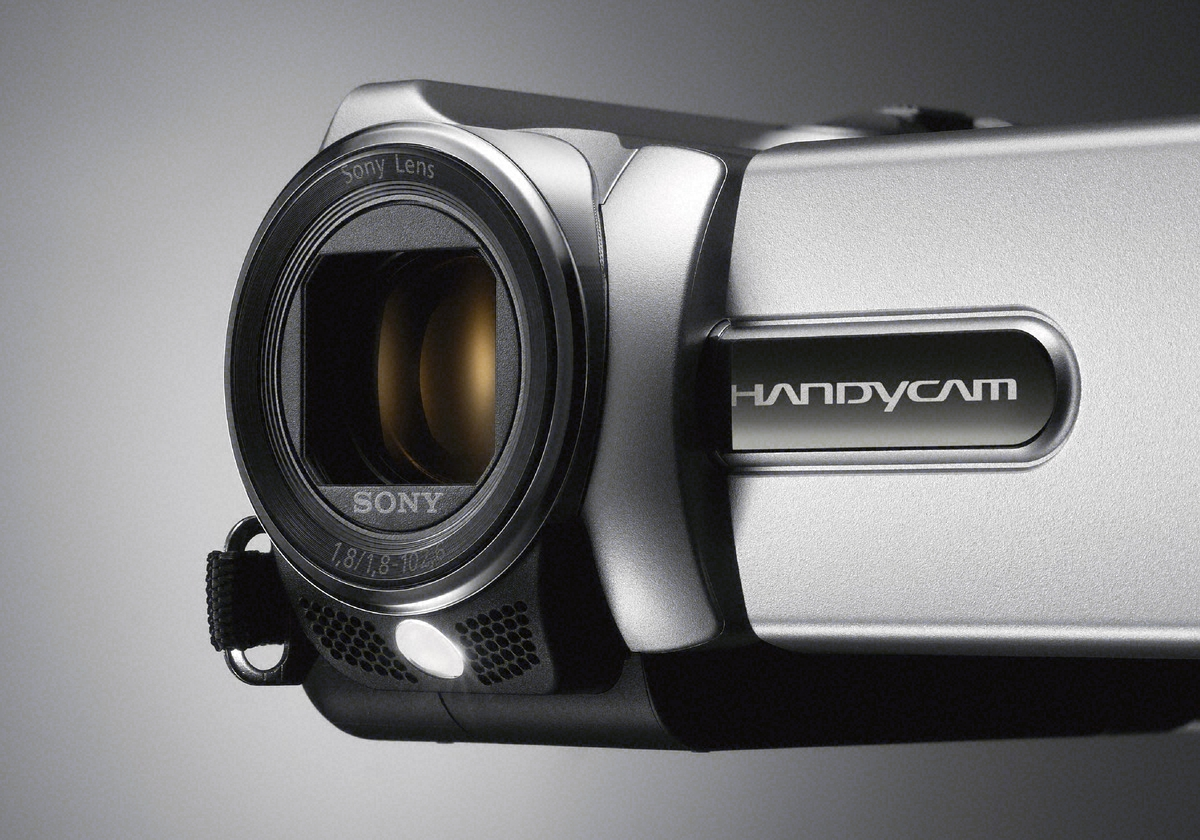 Sony Brings Two New Entry Level Handycams to Europe (DCR