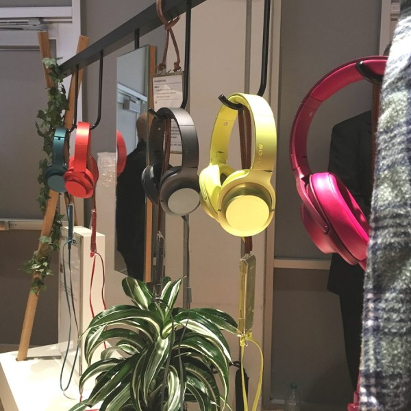 CES_2016_Sony_Hear_On_Headphones_2