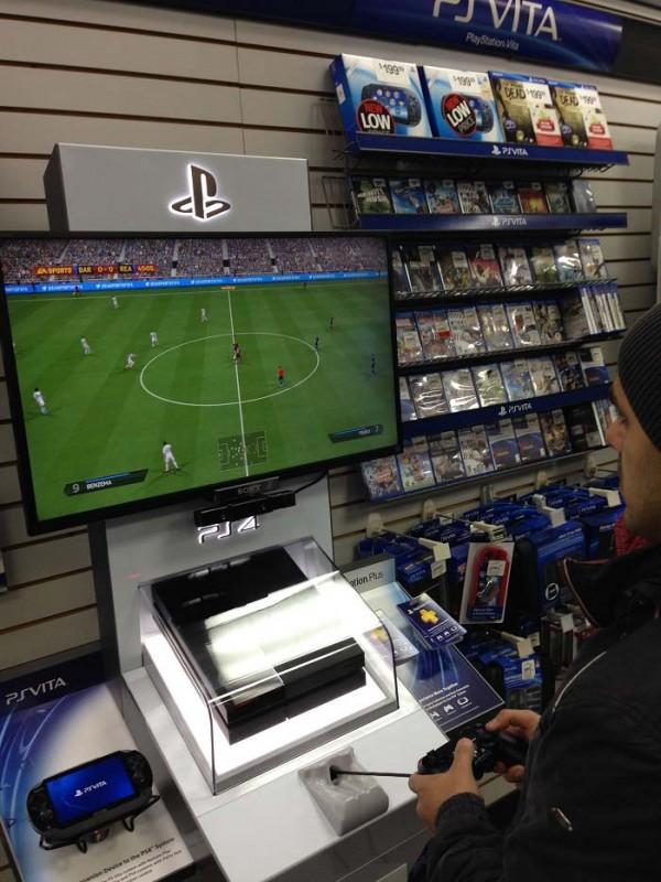 GameStop_PS4_Demo_Kiosk
