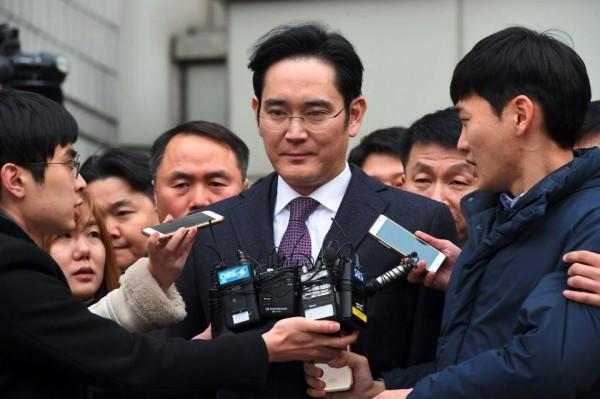 Samsung_ Jay_Y._Lee